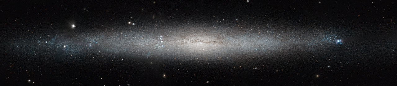 A silver needle in the sky, par NASA Goddard Space Flight Center | Licence CC BY 2.0